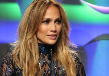 Jak zrobić fryzurę w stylu J.Lo? Rąbek tajemnicy zdradził jej stylista