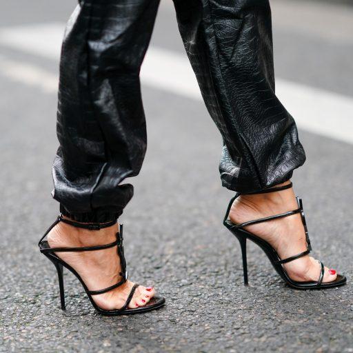 Nie tylko szpilki mogą szkodzić naszemu zdrowiu. Oto modele butów, których założenie warto przemyśleć dwa razy