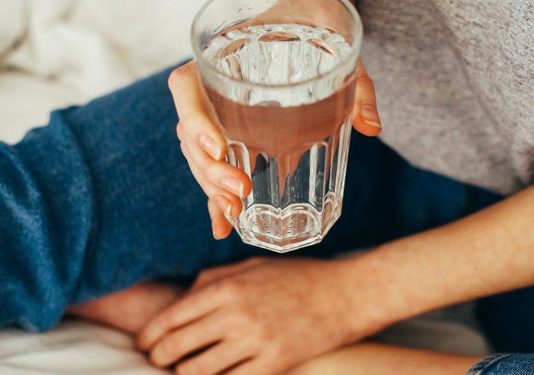 5 sygnałów, które wysyła organizm, gdy dostaje za mało wody