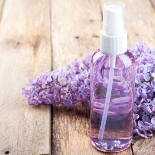 Hydrolat – co to takiego i dlaczego warto mieć go w swojej kosmetyczce?