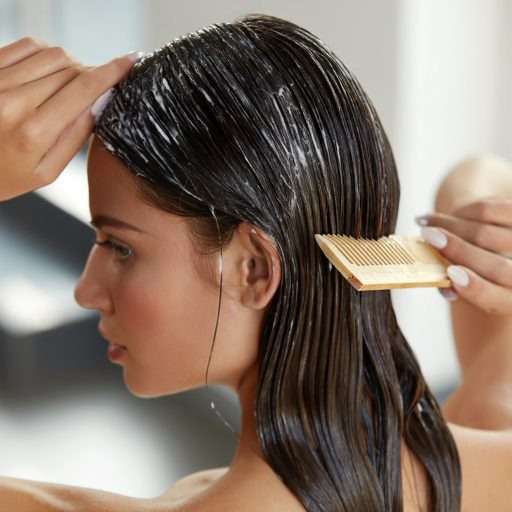 Jak dobrać odpowiednią odżywkę do włosów?