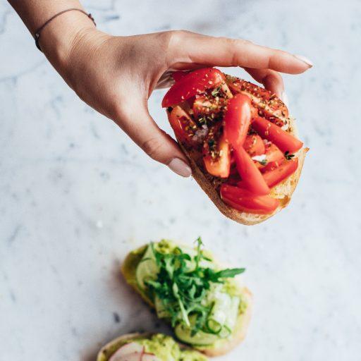 Powiedz nam, w jakiej fazie cyklu miesiączkowego jesteś, a podpowiemy Ci, co jeść