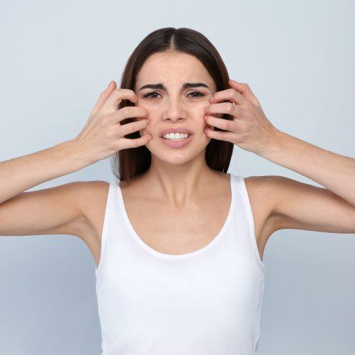 Wrażliwa skóra czy alergiczna? Podpowiadamy, jak je rozróżnić i o nie dbać