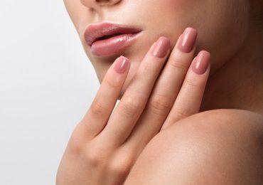 Piękne i trwałe paznokcie bez wychodzenia z domu? Oto pierwszy krok
